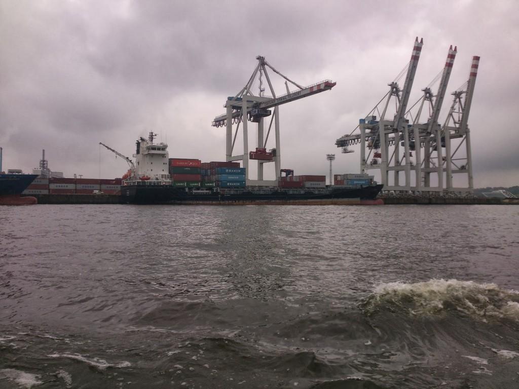 Die Ceres am Containerterminal Tollerort