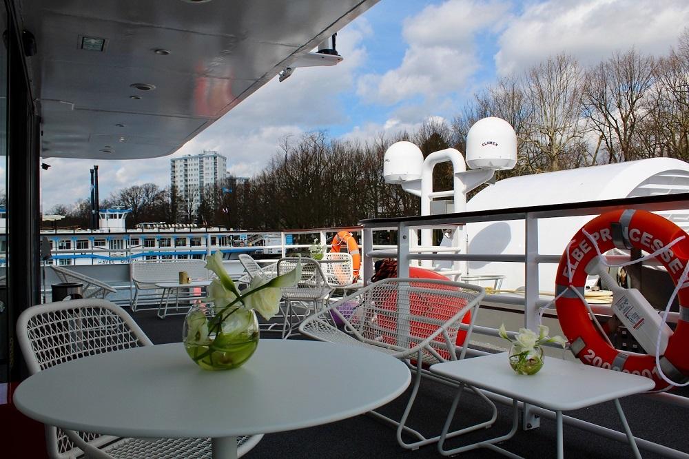 zwischen berlin und prag das neue schaufelradschiff elbe princesse 2 von croisieurope. Black Bedroom Furniture Sets. Home Design Ideas