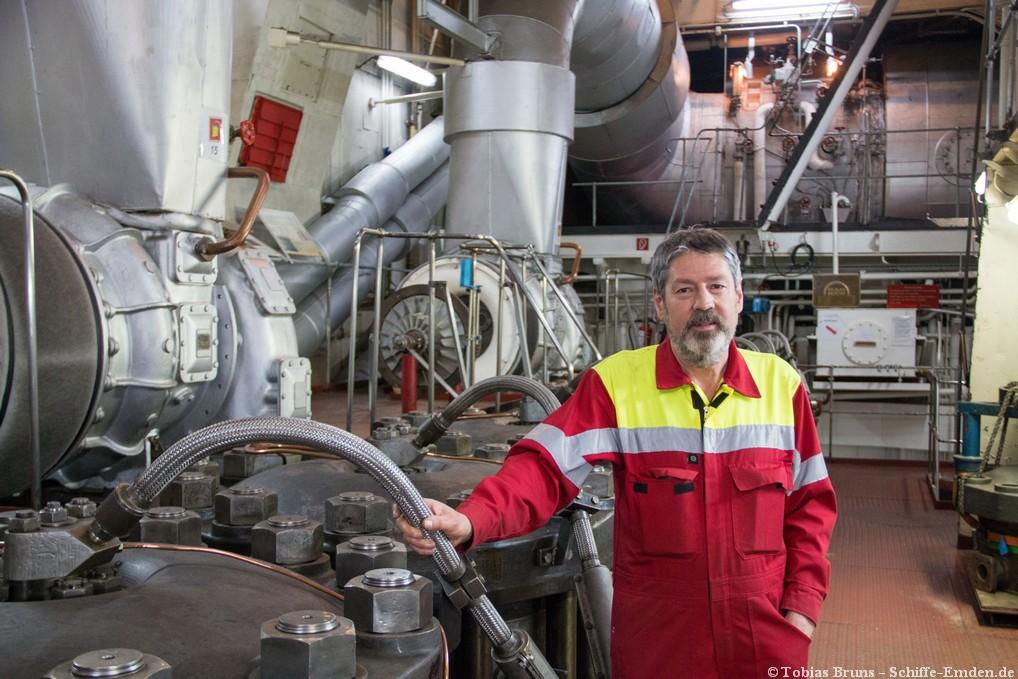 Joachim Stüber im Maschinenraum | Foto: Tobias Bruns