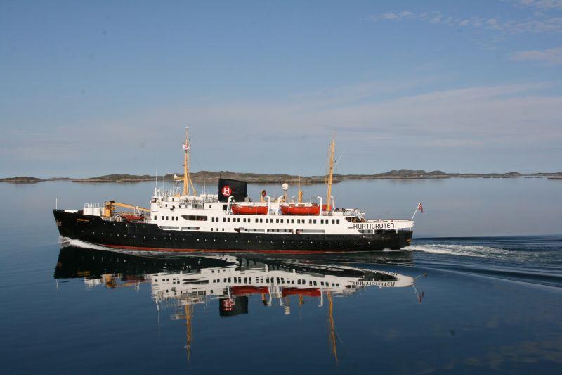 Hurtigruten Feiert 60 Jahre Ms Nordstjernen