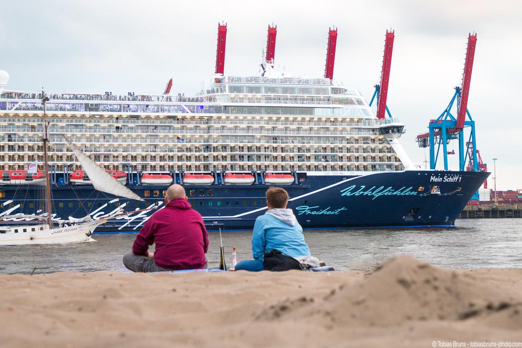 Taufe In Hamburg So Sportlich Ist Kreuzfahrt An Bord Der