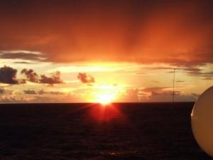 Sonnenuntergang auf Kreuzfahrt